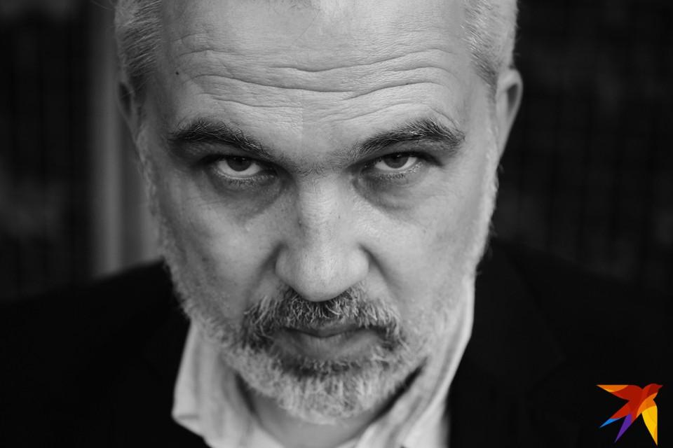 Альгерд Бахаревич полностью посвятил свою жизнь литературе. Фото: Юля ТИМОФЕЕВА