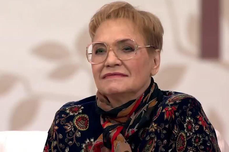 Советская и российская актриса после перенесенного инстульта с трудом говорит