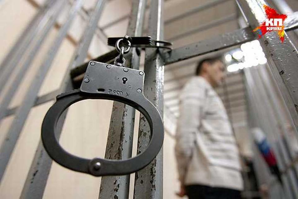 Суд постановил содержать под стражей подростка, подозреваемого в поджоге сверстника