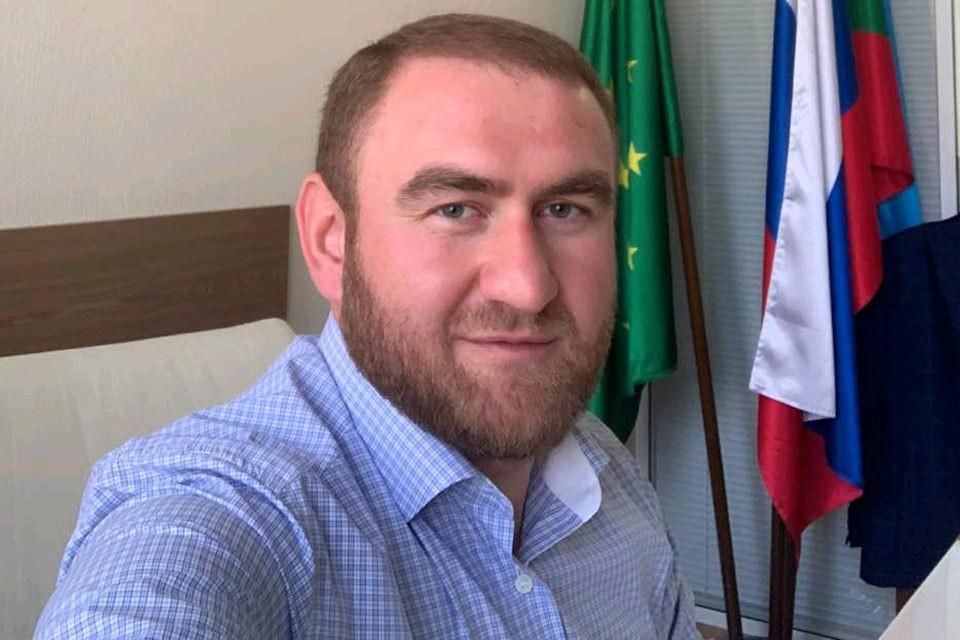 Арестованный сенатор Рауф Арашуков.