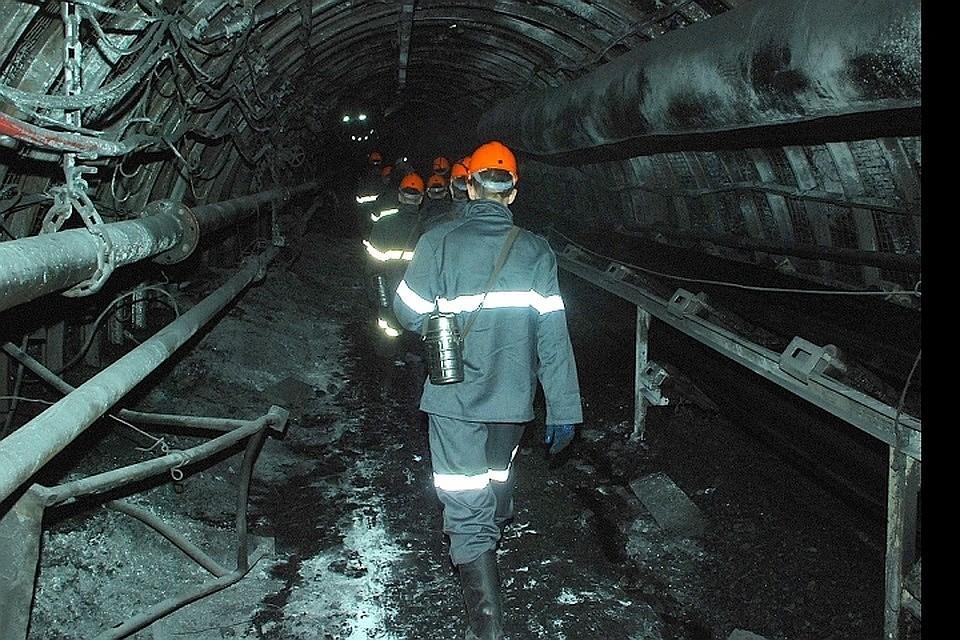 Электровоз упал в ствол шахты «Центральная» в Челябинской области. Фото: Константин НАГОВИЦЫН