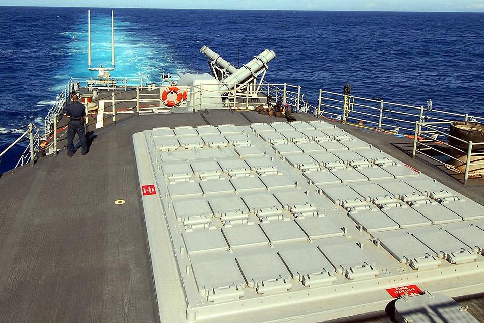 Унифицированная корабельная американская установка вертикального пуска для управляемых ракет MK41 на крейсере CG-70 «Озеро Эри». Фото Wikipedia