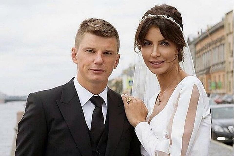 Аршавин и Казьмина в ближайшее время встретятся в суде, чтобы оформить развод и поделить имущество.