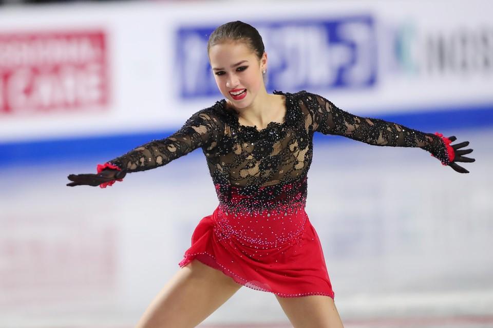 Алина Загитова продолжает подготовку к чемпионату мира.