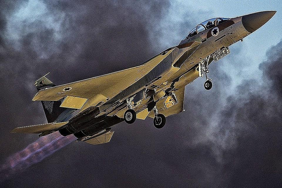 Израильская авиация атаковала цели в секторе Газа