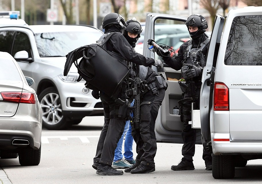 Полиция на месте стрельбы в Утрехте.