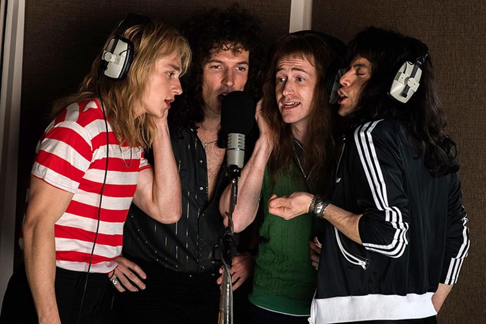 Кинокартина посвящена истории рок-группы Queen: ее пути к успеху, кризису и воссоединению перед концертом Live Aid, который состоялся в 1985 году