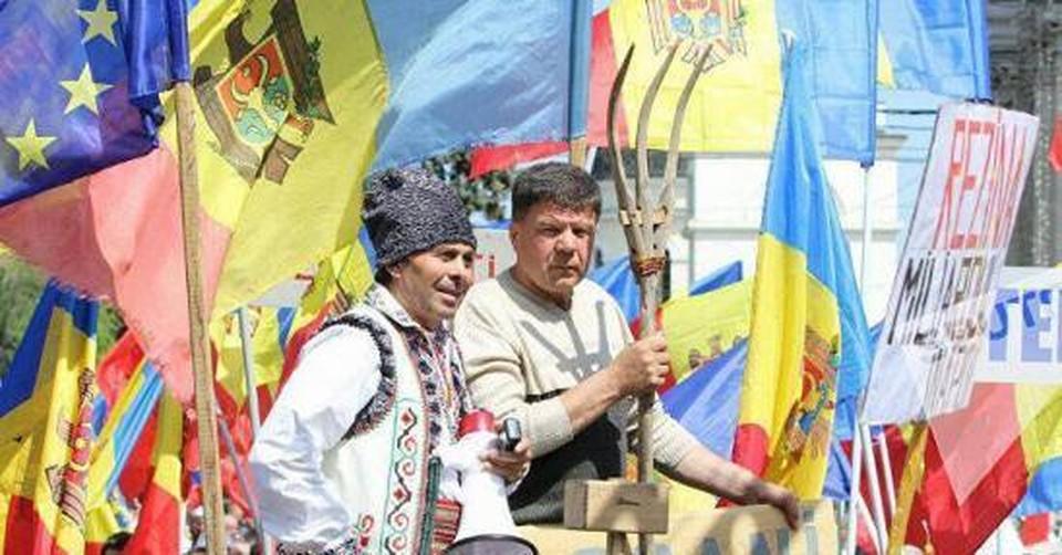 В Молдове у молдаван офис, а так они разъехались по всему миру
