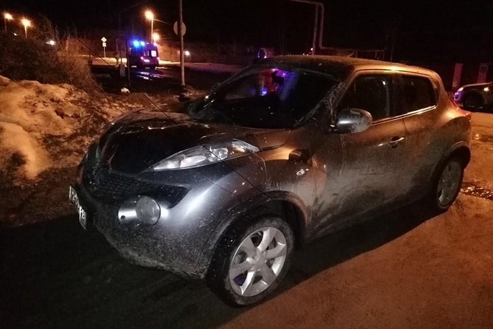 На этой машине пьяная женщина два раза сбила 17-летних девушек