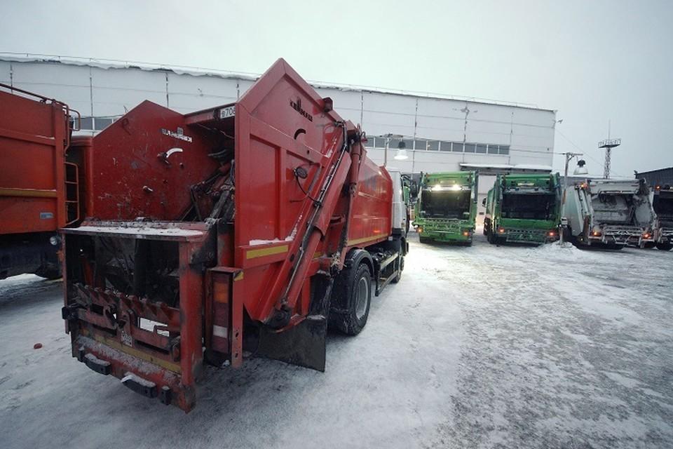 За вывоз мусора на Урале заставляют платить покойников