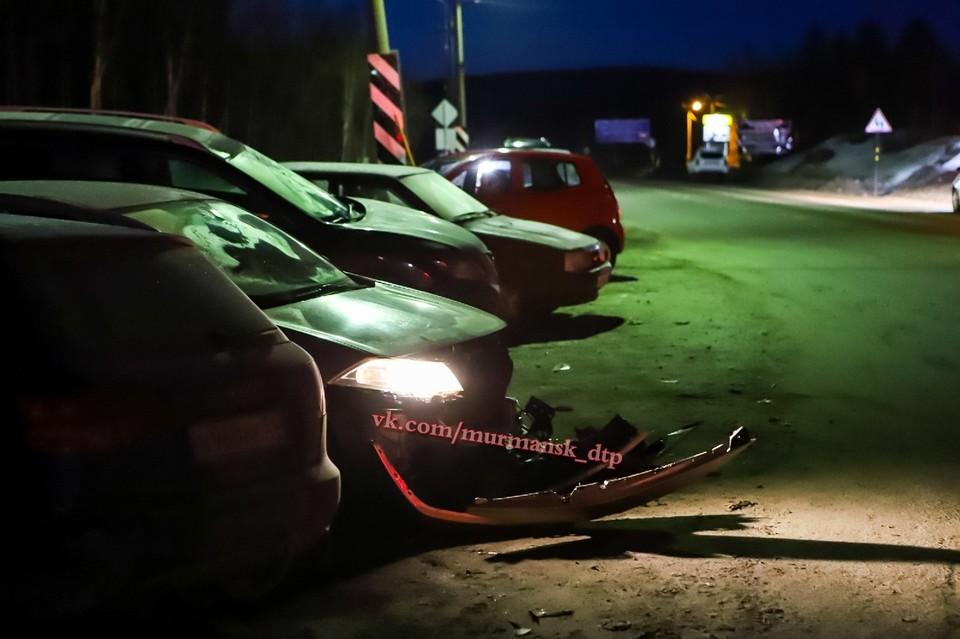 Больше всего досталось Renault Megane, у которого оторвало передний бампер. Фото: Алихан Волк