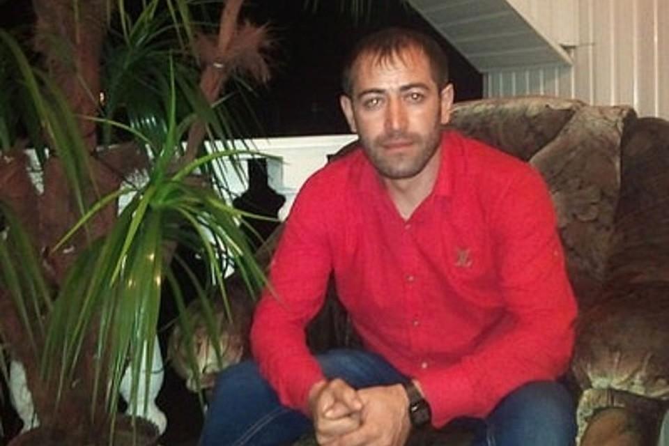Расамбек Бекмурзаев 17 лет работал таксистом