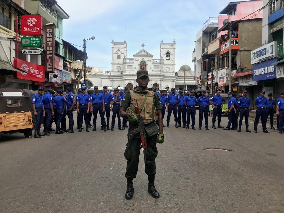 В церквях и отелях Шри-Ланки прогремели шесть взрывов