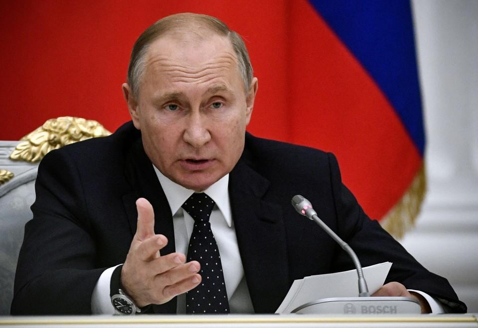 Президент России Владимир Путин выразил соболезнования президенту Шри-Ланки Майтрипале Сирисене в связи с серией терактов в столице страны Коломбо
