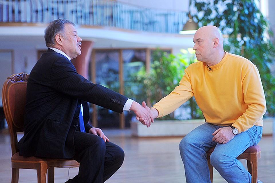 Наш обозреватель Александр Гамов встретился с актером Виктором Сухоруквым