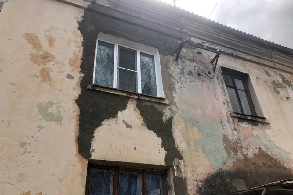 «Мы ждем, когда обвалятся наши дома»: соседи рухнувшего здания по улице Карельской в Хабаровске боятся за свои жизни