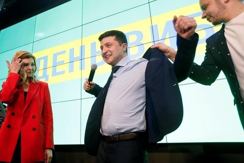 Зеленский поздравил подписчиков в соцсети с Пасхой на на русском и украинском языках