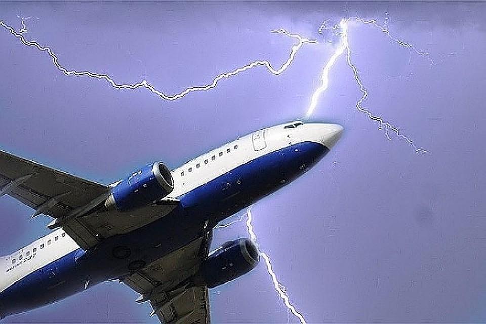 Что происходит с самолетом, когда в него попадает молния