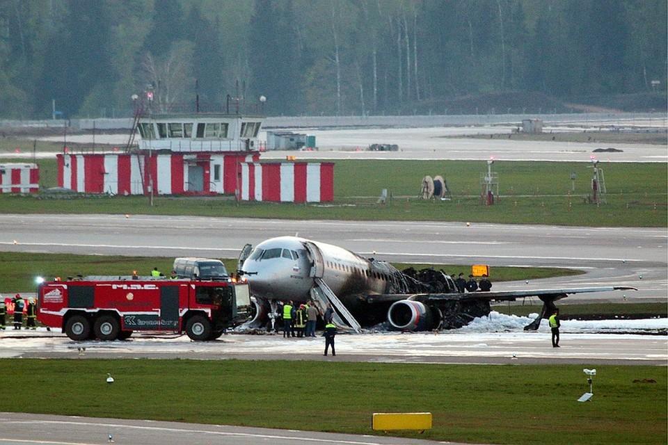 Суперджет вылетел из аэропорта «Шереметьево» около 18.00 5 мая и уже через несколько минут повернул в обратную сторону