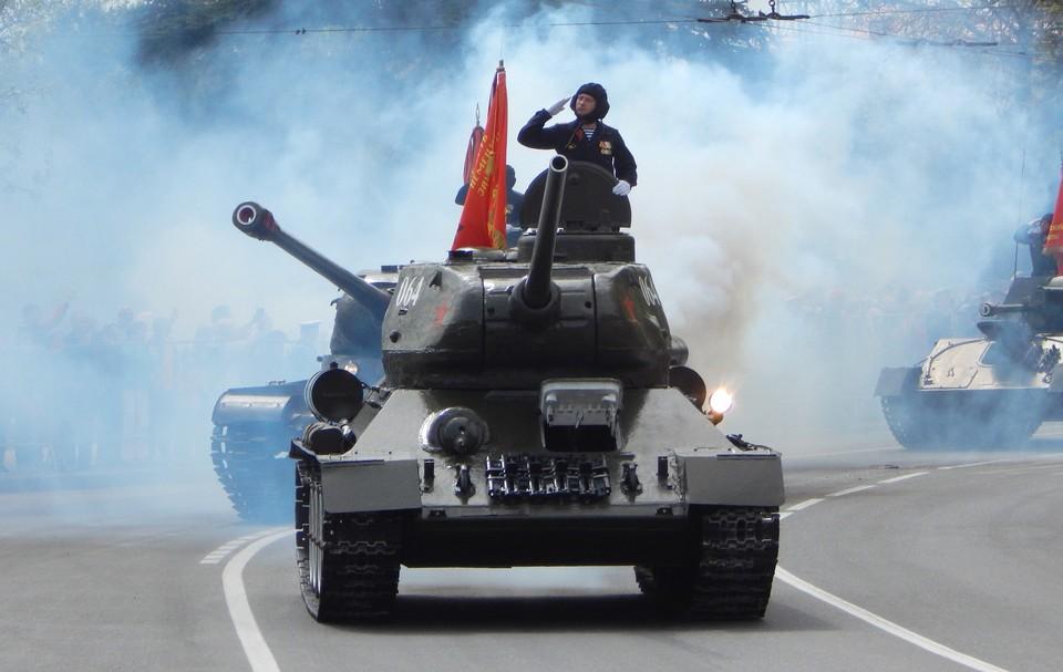 Военный парад пройдет в Севастополе, Симферополе и Керчи.