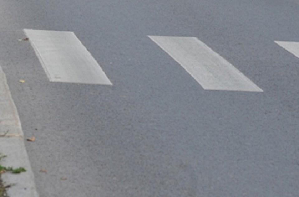 Микроавтобус сбил 11-летнюю девочку на пешеходном переходе в Томске