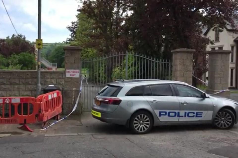 В Белфасте под полицейской машиной нашли бомбу
