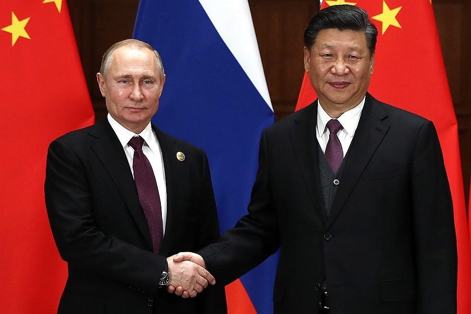 Президент РФ Владимир Путин и председатель КНР Си Цзиньпин перед началом российско-китайских переговоров в Пекине. Фото Валерий Шарифулин/ТАСС