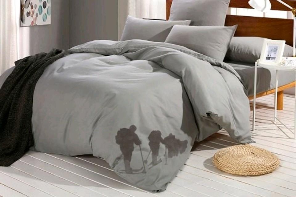 В сети появились дизайнерские макеты шокирующего постельного белья.