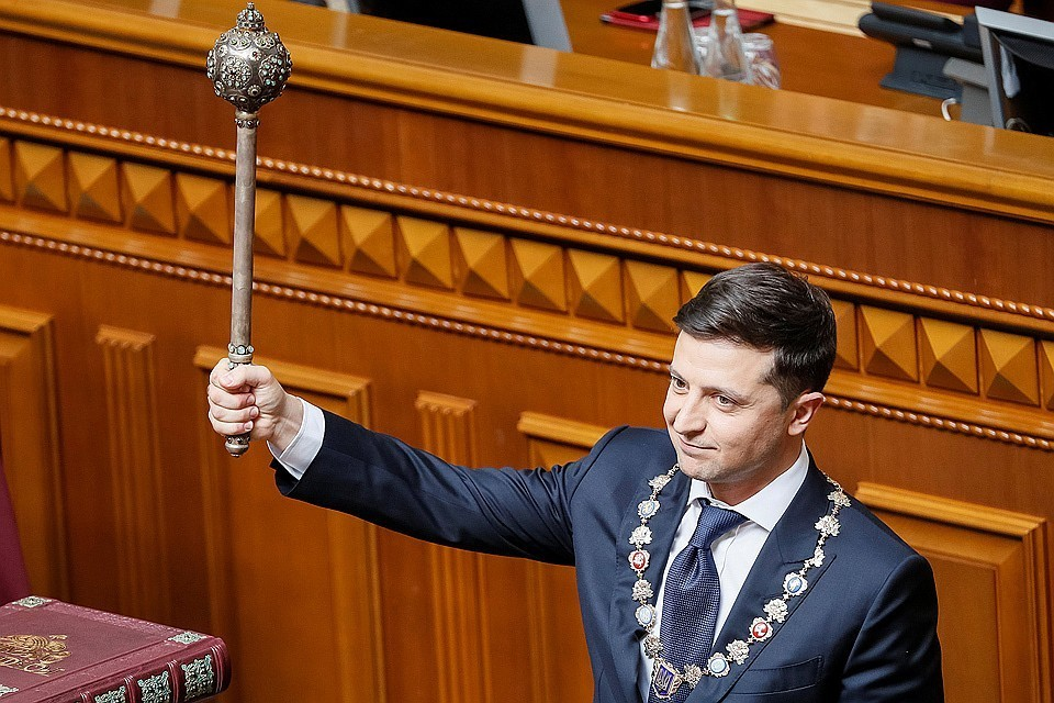 Ранее украинский лидер принял решение об увольнении 15 губернаторов незалежной
