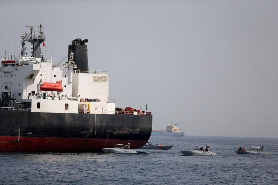 Два нефтяных танкера подверглись атаке в Оманском заливе