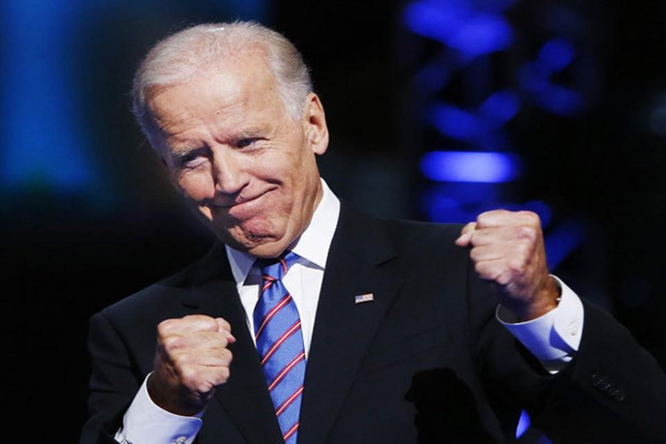 Самый высокий рейтинг среди политиков, претендующих на выдвижение кандидатом в президенты от демократов, у бывшего вице-президента США Джо Байдена