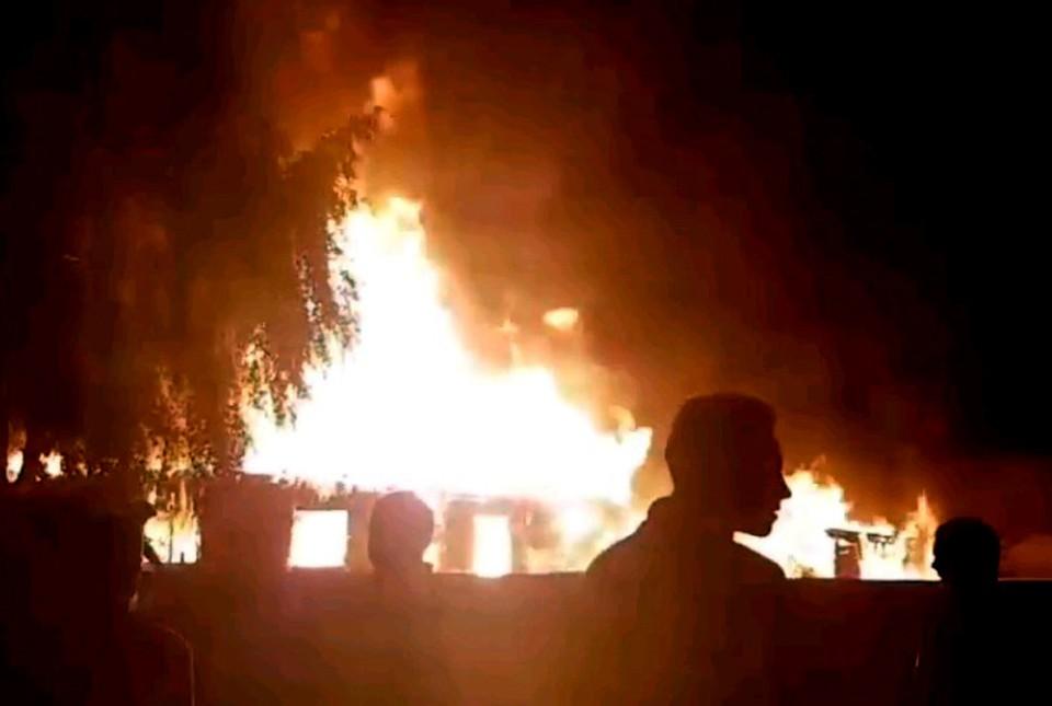 Пока конфликт в Чемодановке расследуют в СК, в соседнем селе сгорел жилой дом.