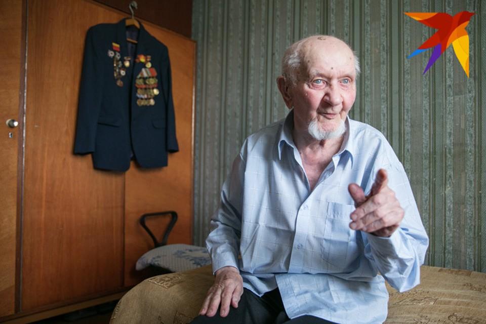 Виктору Павловичу почти 95, но его активности можно позавидовать. Не собирается останавливаться и всех приглашает на свое 100-летие.