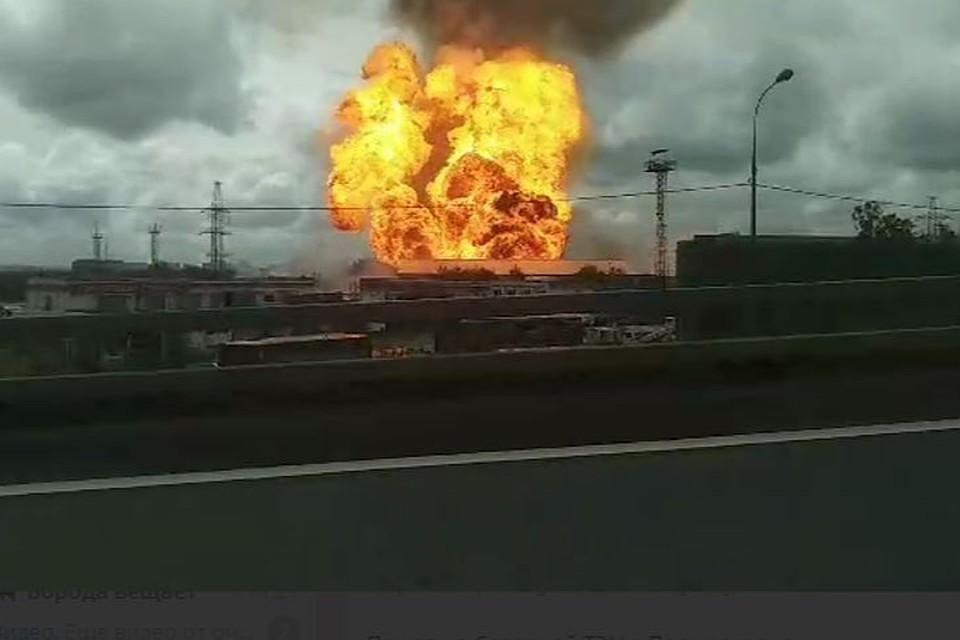 Собянин: Москва направляет 50 единиц техники для ликвидации пожара на ТЭЦ