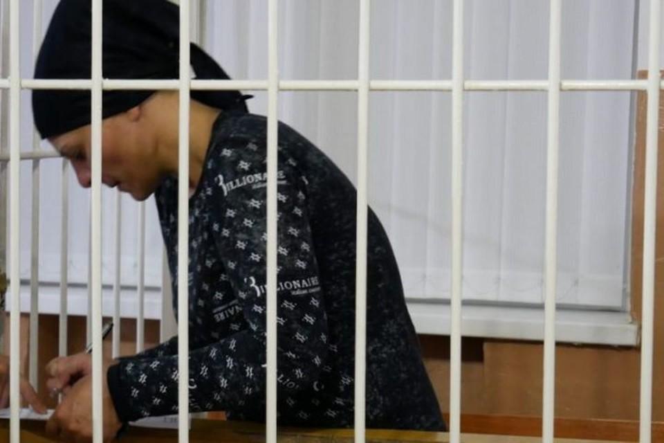 Макка Ганиева за решеткой в суде.