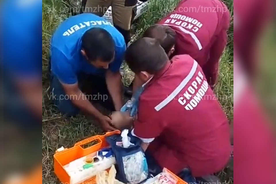 Мальчика пытались спасти медики