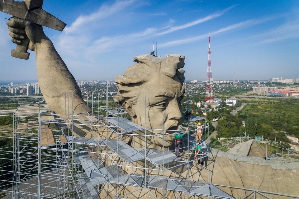 """Реставраторы должны завершить работы на монументе Родина-мать уже в ноябре. Фото: Музей-заповедник """"Сталинградская битва"""""""
