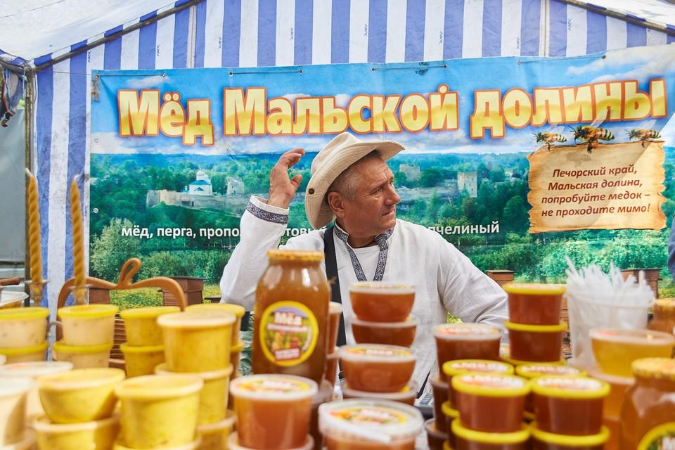 """Небывалое количество меда привезут псковские фермеры на """"Медовый фестиваль"""" в 2019 году"""