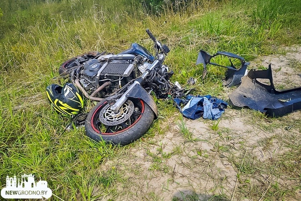 22-летний мотоциклист вез в момент аварии 12-летнего ребенка. Фото: newgrodno.by.