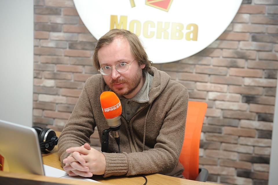 Публицист Дмитрий Ольшанский на радиостанции `Комсомольская правда`.
