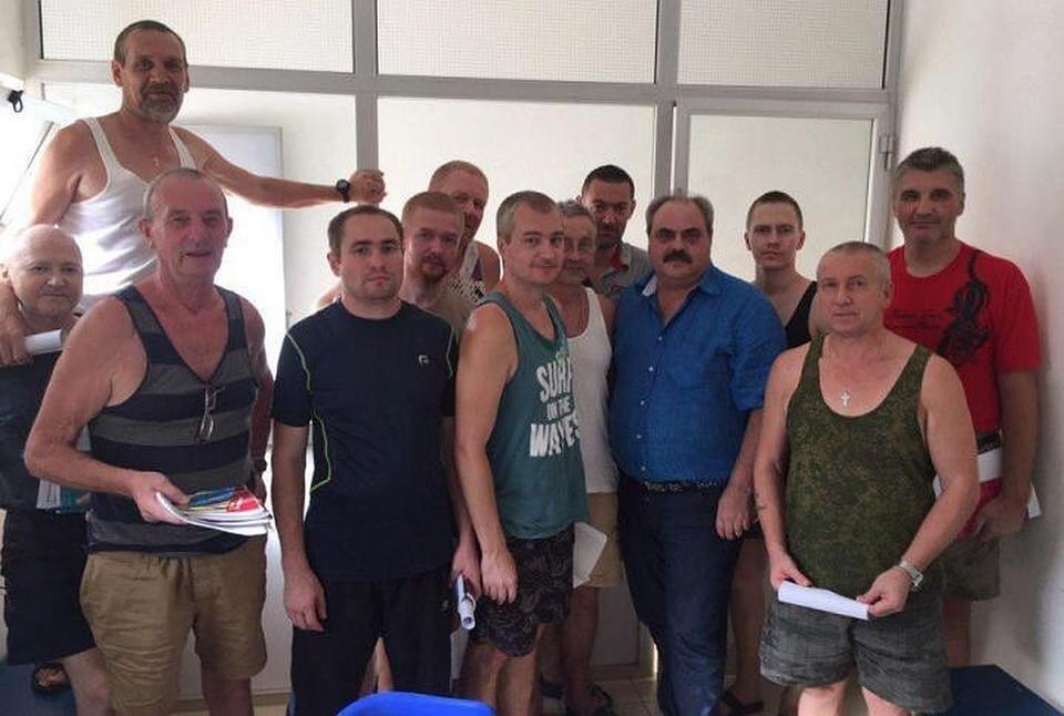 Мурманские моряки были задержаны в феврале этого года и с тех пор находятся в тюрьме. Фото: из архива Алексея Веллера