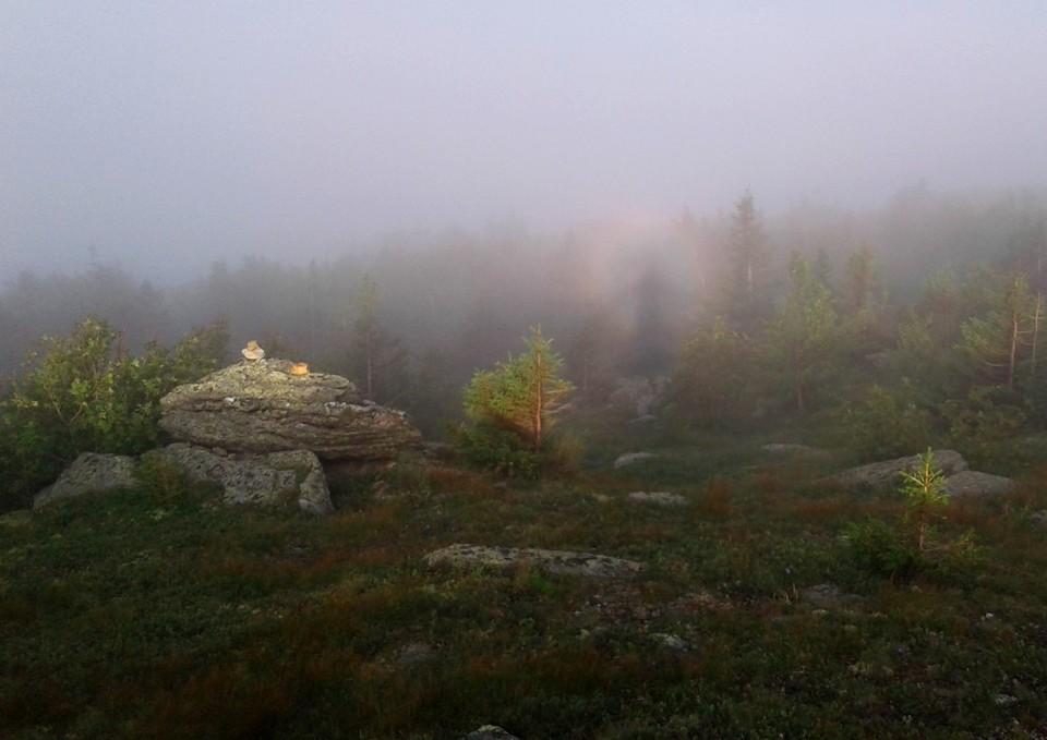 """Бууу! Брокенский призрак замечен в горах национального парка """"Таганай"""". Фото: Сергей Степаненко."""