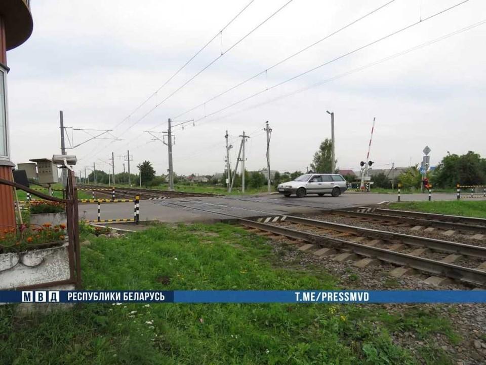 Подросток не заметил приближение пассажирского поезда Гродно - Минск. Фото: МВД