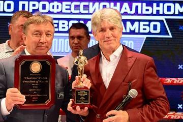 Российские бойцы на турнире ПЛОТФОРМА S-70 победили сборную мира, им аплодировал Эрик Робертс