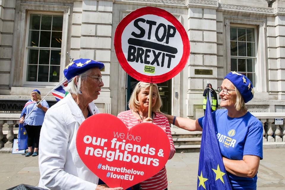 В Британии называют Брекзит «операцией «Хаос» и требуют его остановить.