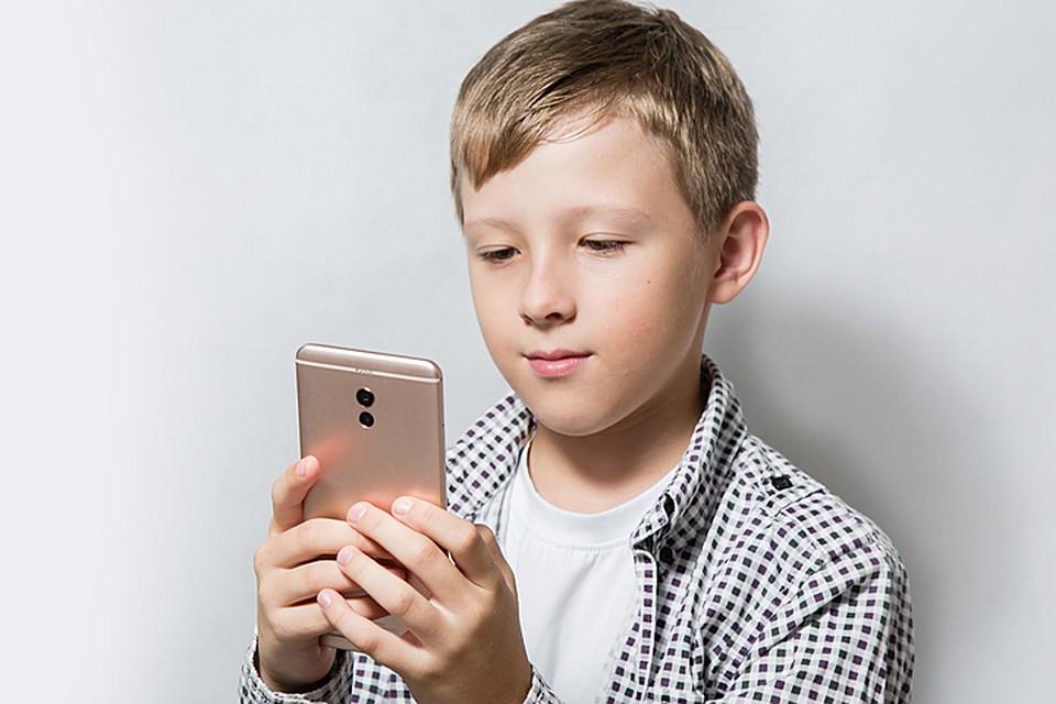 Яндекс.Маркет рассказал, как правильно выбрать смартфон для ребёнка