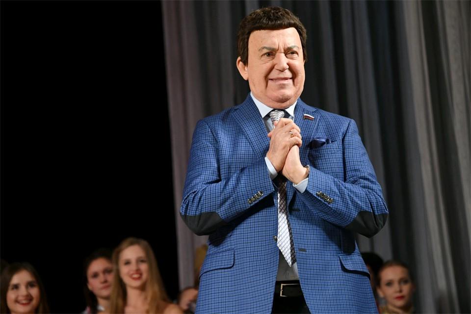 "Иосиф Кобзон на фестивале ""Молодая гвардия"", Луганск, 2017 год."