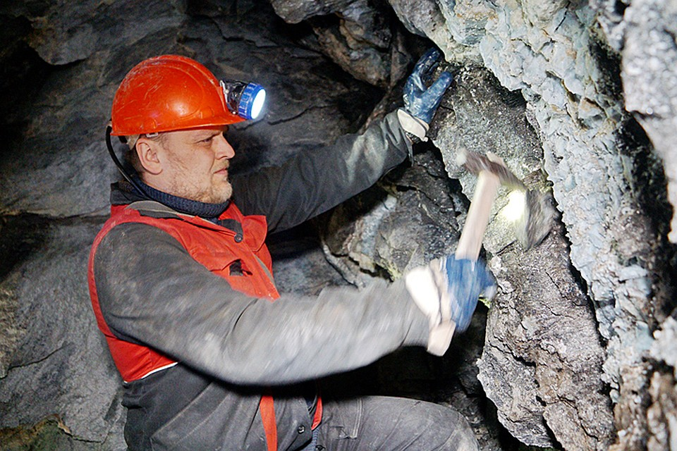 Путин сделал шахтерам подарок к празднику