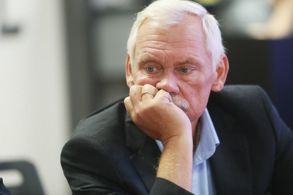 Депутат Госдумы от Нижегородской области Вадим Булавинов считает, что нет решения на поверхности, как запретить ночную продажу алкоголя в разливайках-рюмочных