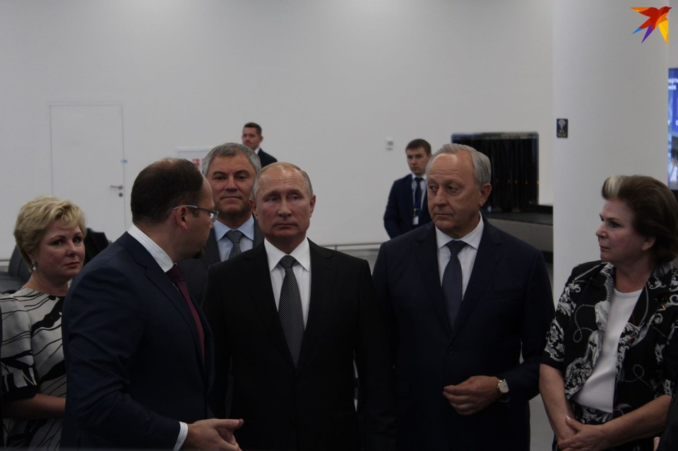 Владимир Путин прилетел в новый аэропорт Саратова. Фото Дмитрия Серова